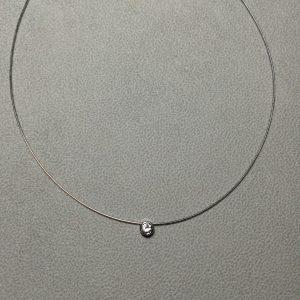 diamant sur collier
